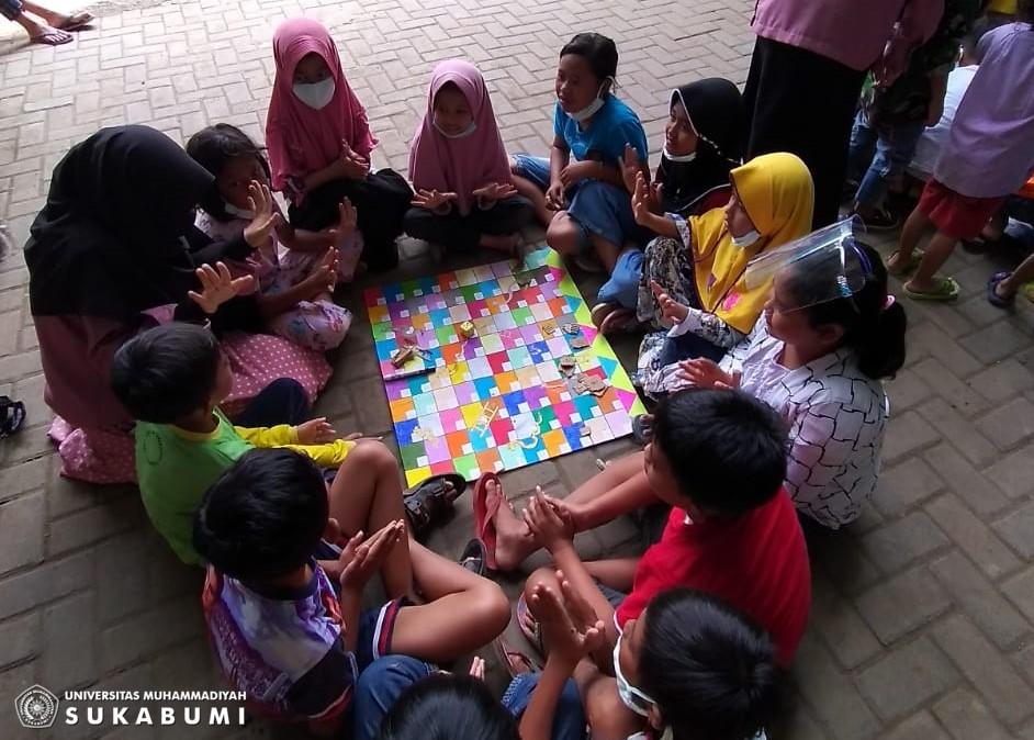"""Pendidikan Guru PAUD UMMI kerahkan TIM """"Trauma Healing"""" Bantu Korban Banjir"""